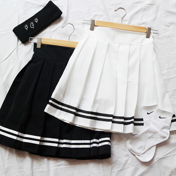 Sailor College Style Pleat..